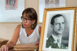Andréa Mostardeiro Bonow é a filha caçula de Germano Bonow Filho, e conservou todo o material deixado por seu pai.